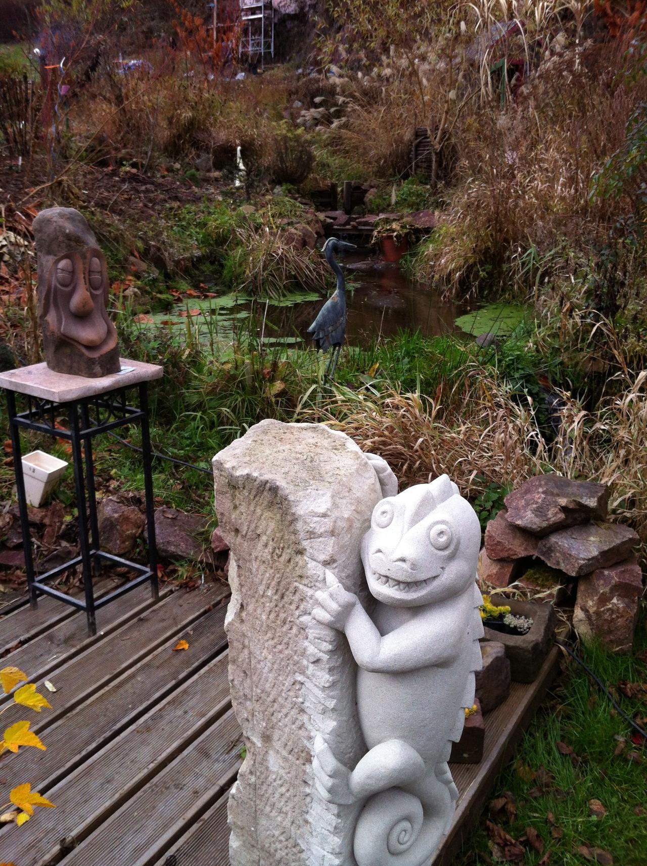 pierre avenir sculptures au jardin des panr es. Black Bedroom Furniture Sets. Home Design Ideas